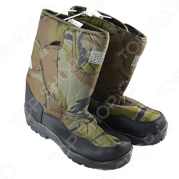Сапоги мужские АЛМИ Камуфляж удобная и практичная обувь, которая станет идеальным дополнением зимнего гардероба. Модель в стиле охота-рыбалка очень теплая и удобная, поэтому станет превосходным решением как для повседневных прогулок, так и для активного отдыха.  Неприхотливы в уходе, не нужно покупать дополнительных средств для обуви.  Подошва с глубокими протекторами очень удобна для походов по пересеченной местности.  Высокая устойчивая подошва из ПВХ поможет сохранить ноги в тепле даже при температуре -15 C .  Сделаны из водоотталкивающего материала. Внутри использован искусственный мех.  Застежки-липучки очень удобны.