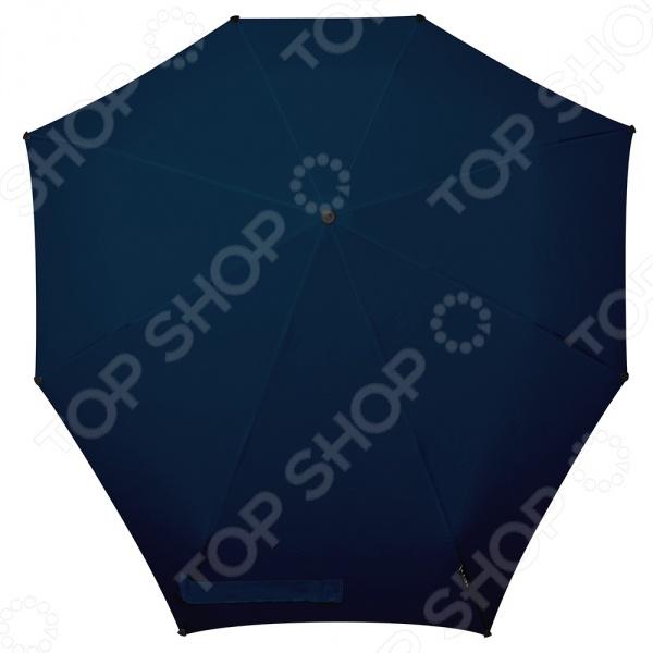 Зонт Senz Automatic это удобный складной зонт, который является не просто необходимым предметом в пасмурную погоду, но и модным аксессуаром, который поможет подчеркнуть ваш стиль. Очень важно тщательно подобрать зонт, чтобы он помещался в вашу сумочку и был достаточно большим, чтобы закрыть вас от капель. Автоматические зонты особенно надежды, ведь вы можете не переживать из-за того, что какие-то детали выйдут из строя и не дадут вам открыть зонт в нужный момент. Такой зонтик можно брать с собой ежедневно, ведь он не занимает много места в сумочке, но вы всегда будете уверены, что сохраните наряд сухим, а прическу в первозданном виде. Выбирайте зонт в соответствии с вашим стилем, а он в свою очередь надежно защитит вас от дождя!
