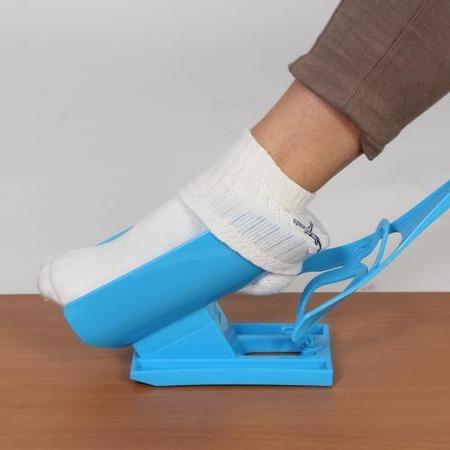 Купить Помощник для надевания носков «Надевайка». В ассортименте