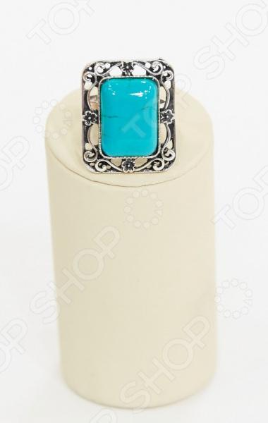 Кольцо Византия тот самый аксессуар, который подчеркнет красоту ваших изящных рук. Это украшение создано для женщин, любящих оригинальные вещи. Изящный дизайн делает это модное украшение идеальным как для повседневного использования, так и торжественных случаев.  Эффектное кольцо со вставкой из прессованной бирюзы в искусно выполненной витой оправе.  Поверья гласят, что бирюза это камень счастья , приносящий удачу и мир, а также успех в финансовых делах. Кроме того, это символ неизменной и верной любви.