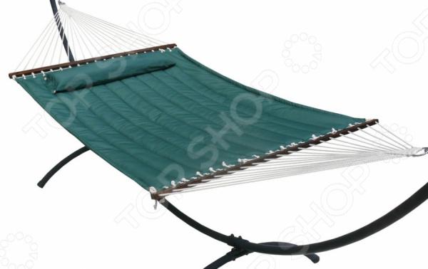 Стеганый гамак Larsen Camp 51324 великолепно подходит для отдыха на природе. Изготовлен из хлопчатобумажной ткани. Наполнитель: пенополиуретан. Имеет размеры 200х140 см. Максимальная нагрузка: 150 кг. Подставка в комплект не входит.