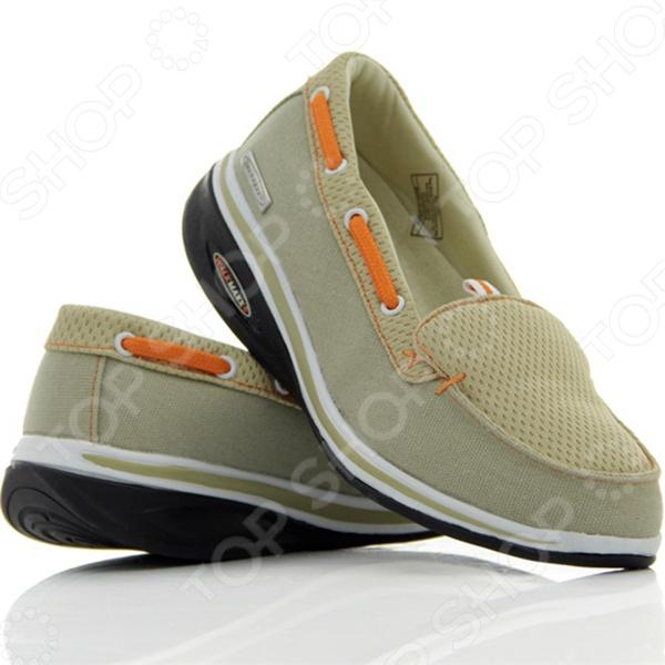 Мокасины Walkmaxx Fitness 2.0 созданы для ежедневной комфортной ходьбы. Благодаря универсальному дизайну и приятному сочетанию оттенков они подходят ко многим нарядам и образам. Мокасины бежевого цвета, украшенные оранжевым шнурком, отвечают последним тенденциям моды. Такая обувь подходит людям всех возрастов и рассчитана на все случаи жизни. Надевайте мокасины на работу и на прогулки, чтобы почувствовать все преимущества оригинальной округлой подошвы Walkmaxx. Шагните в лето в комфортной обуви!  Почему они такие удобные  Люди привыкли носить обувь с жесткой негнущейся подошвой, хотя для наших ног более естественна и полезна ходьба босиком по мягкой земле и песку. Поэтому оригинальная округлая подошва мокасин Walkmaxx Fitness 2.0 имитирует эффект ходьбы по песчаному пляжу. При этом стопа медленно перекатывается вперед и назад, поэтому циркуляция крови улучшается и прорабатываются все мышцы от пяток до кончиков пальцев. Как это поможет вашим ногам  При естественной ходьбе у человека вырабатывается правильная походка и корректируется осанка, поскольку держать спину прямо становится проще. Из-за волнообразного колебания стопы мышцы тела непроизвольно напрягаются, чтобы сохранить равновесие. Поэтому без сознательных усилий с вашей стороны мышечный тонус и осанка улучшаются, а нежелательный вес уменьшается. Не нужно специальных упражнений вы почувствуете эффект даже во время обычных прогулок и ходьбы с работы домой! Мокасины с оригинальной округлой подошвой Walkmaxx помогут вам:  Улучшить осанку  Снять напряжение  Предотвратить возникновение боли в суставах и спине  Перераспределить вес тела, уменьшив нагрузку на суставы  Улучшить кровоснабжение и тонус мышц бедер, ягодиц, икр  Ускорить сжигание калорий и потерю веса Современные технологии для вашего удобства Дизайн и концепция мокасин Walkmaxx Fitness 2.0 разработаны в Германии. Каждая деталь этой обуви создана для вашего комфорта. Поверхность мокасин изготовлена из смеси хлопка и полиэстера, на подъеме ногу удерживает 