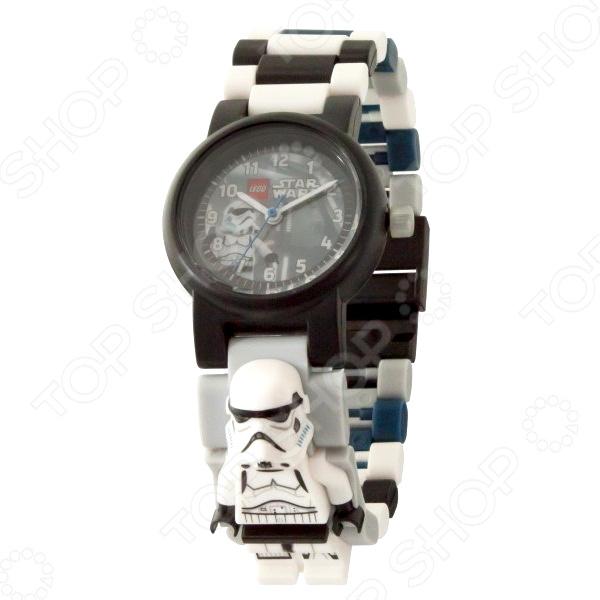 Часы наручные детские LEGO с минифигурой Stormtrooper на ремешке 2017 часы наручные lego часы наручные аналоговые lego star wars с минифигурой darth vader на ремешке