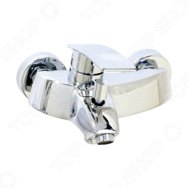 Смеситель Argo Alfa станет прекрасным дополнением вашей ванной комнаты. Он оборудован однорыжачным механизмом, с помощью которого можно легко регулировать температуру воды и ее напор. Представленная модель изготовлена из высококачественной латуни, что гарантирует высокую прочность, долговечность, устойчивость к высокой влажности и значительным перепадам температур. Хромо-никелевое покрытие защищает корпус изделия от коррозии и известковых отложений. Установленный аэратор, нормализует поток воды, насыщает ее кислородом и помогает снизить расход. В комплект также входит четырехпозиционная душевая лейка на растяжном шланге и наклонный кронштейн.