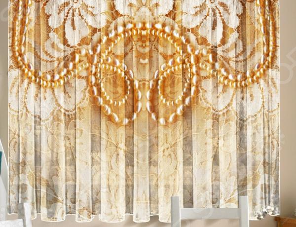 Уютная комната это не только мягкие диваны и кресла, но и красивый домашний текстиль. Именно он позволяет создать в комнате приятную и теплую атмосферу! Легкий летящий тюль это незаменимый элемент в текстильном оформлении окна. Он не уменьшает количество естественного света в помещении, а позволяет сделать его немного мягче. Этот простой элемент домашнего текстиля способен преобразить комнату, сделав её немного уютней, светлее и больше. Новинка в мире фотоштор Фототюль Zlata Korunka Кружево это идеальный вариант для вашей кухни или дачи! Легкие и качественные изделия не только стильно оформят оконное пространство, но и позволят правильно расставить акценты в интерьере, скрыть небольшие недостатки в отделке. Отлично впишется в любой интерьерный стиль. Легкий и тонкий тюль выполнен из шифоновой ткани высочайшего качества. Этот материал традиционно используется для этого вида домашнего текстиля.  Достоинства тюля из шифона  Переплетение синтетических нитей делает его очень прочным и износостойким.  Гладкая поверхность практически не блестит на солнце, поэтому тюль приобретает благородный внешний вид.  Легко подается драпировке за счет своей легкой и пластичной структуры ткани.  Не выгорает на солнце и не теряет свой цвет после многочисленных стирок.  Легкий уход. Для неповторимого уюта на кухне! Благодаря изысканному дизайну с роскошным фоторисунком, данная модель может использоваться в качестве самостоятельного украшения окна. Дизайн придется по нраву тем, кто предпочитает более современный дизайн. Парящий тюль придаст нежность и воздушность интерьеру, избавит вас от ощущения загруженности интерьера, визуально увеличит помещение и сделает более комфортным для отдыха. Тюль рекомендуется стирать при температуре 30 С в режиме бережной стирки и гладить при температуре 150 С в режиме шелк .
