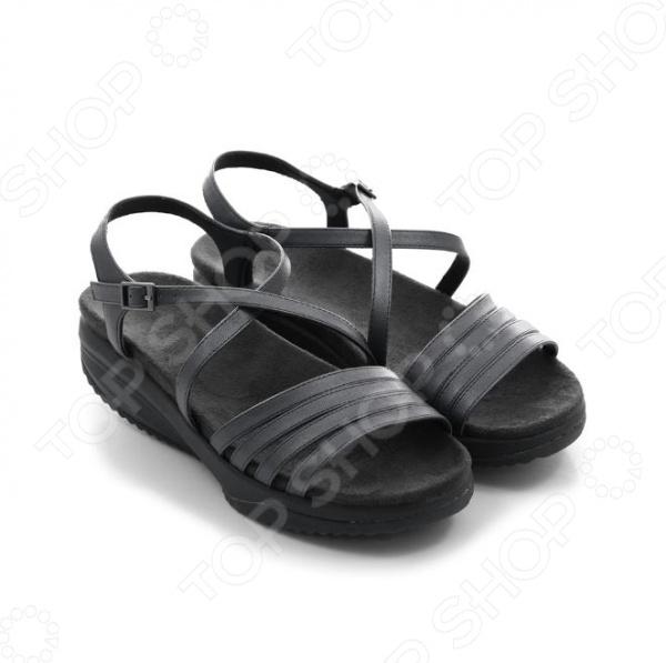 Сандалии дышащие Walkmaxx Pure Elegant 2.0. Цвет: черный