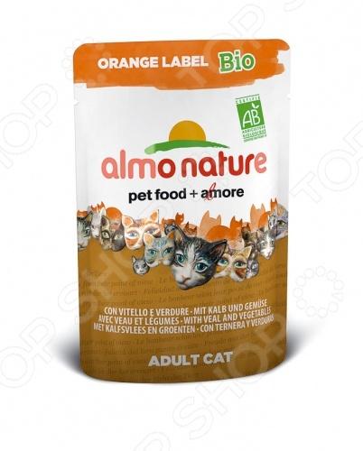 Корм влажный для кошек Almo Nature Orange Label Bio Adult with Veal and Vegetables качественный и экологически чистый корм, который идеально подходит для вашего питомца. За счет идеально сбалансированного состава он будет идеальным решение для домашних кошек, склонных к полноте или кастрированных котов, стерилизованных кошек. Данный корм включает в себя только отборные натуральные ингредиенты, дополнительно обогащенный высококачественными био-добавками из 100 натурального хозяйства. Благодаря этому ваш питомец будет получать только нужное количество полезных веществ, витаминов и минералов. Приятный, натуральный вкус телятины, приятная текстура корма пауча придется по душе даже самой капризной и привередливой кошке. Благодаря тому, что рацион не содержит ГМО, красителей, химических добавок, консервантов и антибиотиков, он будет безопасен для вашего питомца. Корм влажный для кошек Almo Nature Orange Label Bio Adult with Veal and Vegetables будет прекрасным выбором для вашего питомца, так как:  выполнен из ингредиентов, которые соответствуют стандарту Human Grade;  нежный корм легко переваривается и максимально эффективно усваивается организмом;  все ингредиенты проходят лишь механическую обработку без использования химических веществ;  кусочки мяса и злаки приготовлены в собственном бульоне сохраняют все свои питательные вещества. Внимание! Следите за тем, что у вашего питомца в миске всегда была чистая и свежая вода.
