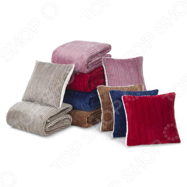 Комплект Dormeo Warm Hug 3: плед и подушка