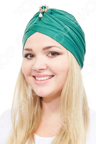 Чалма Агата это стильный головной убор, который идеально подойдет для завершения вашего образа. Вне зависимости от стиля одежды вы можете использовать эту чалму, ведь она будет прекрасно смотреться с выходным нарядом. Этот оригинальный головной убор подчеркнет вашу изысканность и индивидуальность.  Стильная модель из трикотажной ткани однотонного цвета с шифоновыми вставками.  Шифоновые завязки позволяют регулировать размер чалмы для обеспечения удобной посадки на голове.  Размер изделия 19х25 см 2 см . Чалма сделана из нежного теплого трикотажа, состоящего на 60 из полиэстера, на 35 из вискозы и на 5 из эластана. Материал не линяет, не скатывается, формы от стирки не теряет.