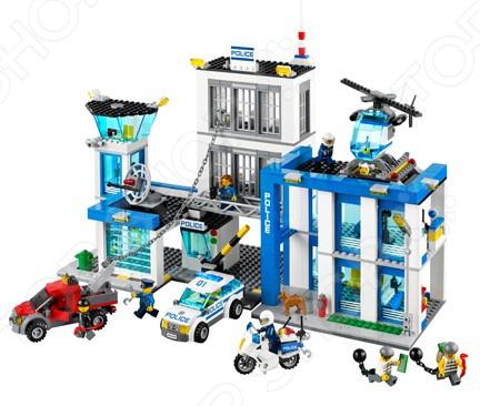 Конструктор LEGO Полицейский участок это отличный конструктор для детей, в котором найдутся все необходимые детали для создания моделей с картинки. Маленькие детали подойдут для детей старше восьми лет, они отлично различимы для ребенка и он точно поймет что с ними необходимо делать. Конструкторы такого типа развивают пространственное и логическое мышление, фантазию, творческие способности и мелкую моторику рук.