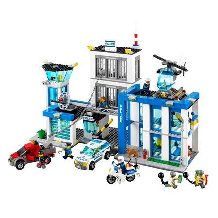 Купить Конструктор LEGO «Полицейский участок»
