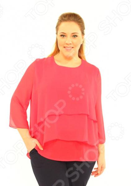 Блуза Laura Amatti Лот 1004 это легкая и нежная блуза, которая поможет вам создавать невероятные образы, всегда оставаясь женственной и утонченной. Благодаря отличному дизайну она скроет недостатки фигуры и подчеркнет достоинства. Блуза прекрасно смотрится с брюками и юбками, а насыщенный цвет привлекает взгляд. В этой блузе вы будете чувствовать себя блистательно как на работе, так и на вечерней прогулке по городу. Универсальная длина выше бедра и выразительный фасон позволяют надеть ее не только в офис или на прогулку, но и на официальные мероприятия. Удобные рукава 3 4 скрывают недостатки в области плеч и подходят женщинам с любой полнотой рук. Круглый вырез горловины выгодно подчеркнет шею и область декольте. Блуза изготовлена из мягкой полупрозрачной ткани 100 полиэстер , благодаря чему материал очень приятен к телу, из-за того, что ткань идёт в несколько слоёв, блуза не прозрачная. Полиэстер предохраняет вещь от измятия и быстро высыхает после стирки. Швы обработаны текстурированными, эластичными нитями, благодаря чему не тянутся и не натирают кожу.
