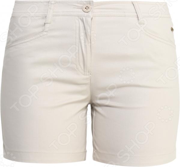 Шорты Finn Flare S16-11097 прекрасно подходят для повседневного гардероба и хорошо сочетаются с рубашками, майками и футболками. Такая модель станет отличным выбором для поклонников стиля casual и, при правильном сочетании, позволит создать невероятно модный и стильный образ. Шорты выполнены в светло-бежевых тонах и снабжены карманами и шлейками для продевания ремня.  Особенности модели:  Укороченный крой.  Прочные швы.  Длина выше колена.  Передние и задние карманы.  Шлейки для продевания ремня. В качестве материала используется натуральный хлопок. Ткань очень мягкая и приятная на ощупь, отличается воздухопроницаемостью, высокой прочностью и устойчивостью к истиранию. Стоит отметить высокое качество используемых красителей. Они долго сохраняют свою яркость и не теряют цвет даже после многочисленных стирок.  Почему Finn Flare Finn Flare это синоним первоклассного качества и новейших модных тенденций. Компания занимает ведущие позиции на российском рынке и занимается производством мужской, женской и детской одежды. Модели Finn Flare соответствуют актуальным европейским трендам и отличаются ярким, стильным и всегда оригинальным дизайном!
