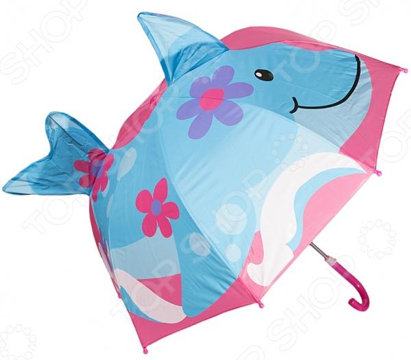 Зонт-трость детский Mitya Veselkov ZONT-DELPHIN-sim это стильный и модный аксессуар для вашего ребенка. Его яркий купол в виде дельфина надежно защитит малышку от непогоды. Ни проливной дождь, ни сильный ветер теперь страшны, ведь купол прекрасно закреплен на каркасе. Изогнутая форма ручки позволяет крепко держать зонт в руках. В целях безопасности, концы спиц закрыты пластиковыми шариками. Простоту складывания обеспечивает полуавтоматическая система.