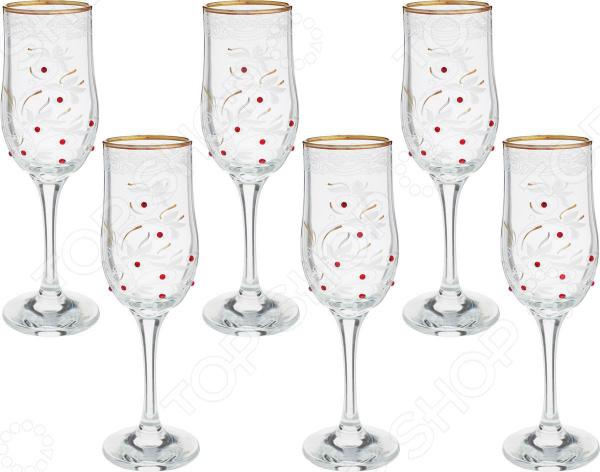 Правильно подать и оформить на столе напитки целое искусство, ведь от этого будет зависеть общий вид стола, а значит и настроение ваших гостей. Алкогольные напитки не являются исключением, а скорее правилом, поэтому к их подачи следует подойти с большим вниманием. Особенно это касается такого благородного напитка, как вино.  Правильное решение для идеальной сервировки! Набор бокалов для вина Гусь Хрустальный Акация прекрасное дополнение сервировки вашего праздничного застолья. Этот набор из винных бокалов порадует вас и ваших гостей своим необычным дизайном, красота и продуманность которого отражается в каждой детали. Стеклянные бокалы станут настоящим украшением праздничного стола, интерьера рабочего кабинета, гостиной. Необычный дизайн, оригинальное исполнение делают этот набор настоящим произведением искусства, который также является очень практичным.  Красивый и стильный Благодаря тому, что изделия выполнены из качественного стекла, вы сможете в полной мере насладиться тонкими ароматами, цветом и вкусом напитка. Этот материал отличается удивительным блеском и прочностью, которые не утрачиваются даже после многочисленного использования. Другие преимущества этого материала:  не впитывает посторонние запахи;  химически нейтрален, поэтому не влияет на вкус и аромат хранящихся продуктов;  экологически чистый материал;  не требует особого ухода;  долговечен при аккуратном обращении.  Качество проверенное временем Торговая марка Гусь Хрустальный проверенный производитель посуды из декорированного стекла высокого качества. Вся продукция производится в прославленном городе мастеров стекла Гусь Хрустальный. Там еще несколько веков назад были заложены традиции производства стекла и хрусталя. Посуда производится на современном оборудовании с использованием только качественных и экологически чистых материалов. Этот необыкновенный набор станет великолепным подарком для ваших друзей, коллег и родных на самые различные праздники!
