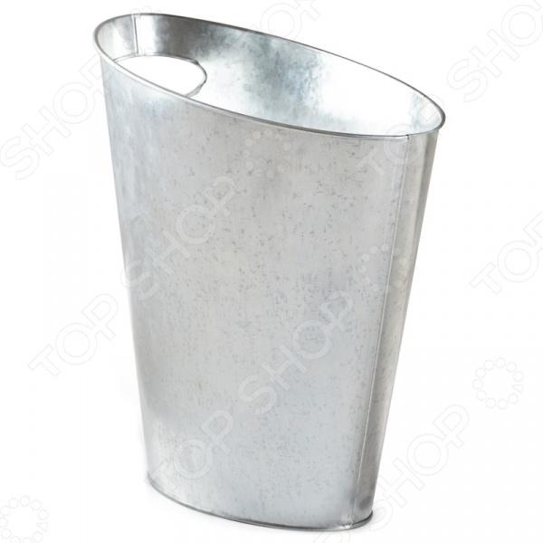 Контейнер для мусора Umbra Skinny - креативная и удобная модель создана специально для модных современных интерьеров, где учитывается каждая деталь. Контейнер изготовлен из металла, имеет оригинальную форму с ручкой для удобства переноски. Объем контейнера составляет 7,5 литров. Корзина для мусора Umbra Skinny - является изобретением одного из самых известных промышленных дизайнеров - Карима Рашида.