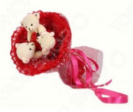 Букет из мягких игрушек Toy Bouquet Медвежата M304 это не только прекрасная альтернатива традиционному цветочному букету, но и отличная возможность сделать любимому человеку оригинальный и запоминающийся подарок. Он отлично подойдет в качестве сувенирного подарка маме, подруге или любимой девушке. Букет выполнен в ярко-красных тонах и украшен атласными ленточками и фигурками очаровательных плюшевых медвежат.