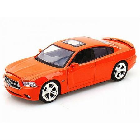 Модель автомобиля 1:24 Motormax Dodge Charger R/T 2011. В ассортименте