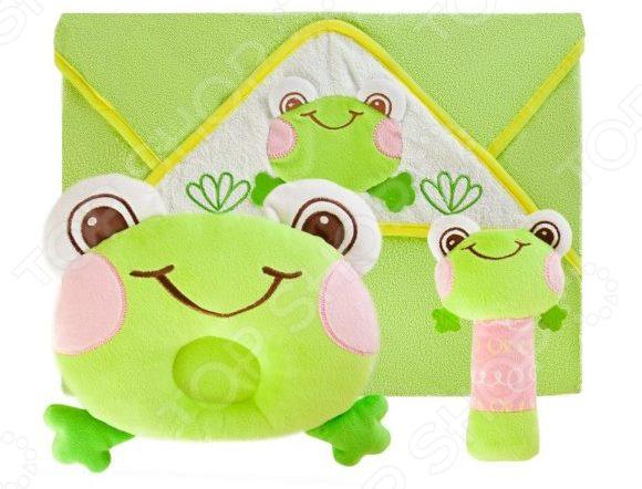 Комплект для малыша: подушка, полотенце и погремушка Жирафики «Забавный лягушонок»