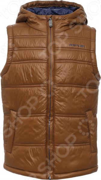 Жилет детский Finn Flare Kids KB16-81004 подойдет как для прогулок, так и для активного отдыха. Жилет надежно застегивается на молнию. В боковых частях имеется два кармана. Жилет выполнен из качественного нейлона, очень удобного в носке и не требующего особого ухода. Материал отлично сохраняет тепло.  Материал отличается высокой прочностью и устойчивостью к истиранию.  Высокое качество используемых красителей гарантируют стойкость после многочисленных стирок.  Прочные швы.  Теплый капюшон. Finn Flare это синоним первоклассного качества и новейших модных тенденций. Компания занимает ведущие позиции на российском рынке и занимается производством мужской, женской и детской одежды. Модели Finn Flare соответствуют актуальным европейским трендам и отличаются ярким, стильным и всегда оригинальным дизайном!