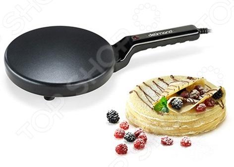 Любите баловать родных и друзей вкусными блинчиками Именно для вас разработана блинница электрическая погружная Delimano Pancake Master, позволяющая готовить тоненькие и очень ровные блины без хлопот. Оцените всю простоту использования прибора:  Приготовьте тесто. Смешайте муку и яйца, добавьте соль и сахар по вкусу, несколько ложек растительного масла, а затем медленно влейте воду и взбейте массу. Однако вы можете воспользоваться любым другим рецептом. Следует лишь учесть, что для оптимального результата необходимо добиться жидкой консистенции теста.  Наполните специальную чашу тестом.  Включите прибор в розетку на 3 минуты. Лампочка-индикатор погаснет, когда устройство нагреется и будет готово к использованию.  Возьмите блинницу в руки, переверните ее и опустите в тесто жарочной стороной вниз. Тесто должно прилипнуть к жарочной поверхности. Рекомендуется подержать блинницу 2-4 секунды, чтобы тесто лучше прилипло. После нужно поставить блинницу на стол.  Когда одна сторона блина пропечется, то его нужно перевернуть при помощи лопатки не следует использовать металлические изделия . Блин отлично пропечется, если тесто получится жидким и будет нанесено на жарочную поверхность тонким слоем. Температура рабочей поверхности достигает 200 .