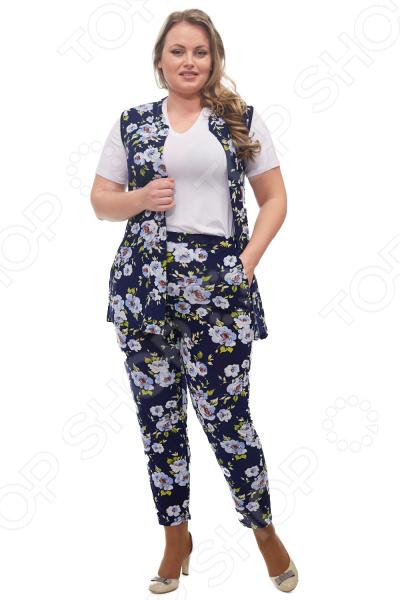 Костюм Laura Amatti «Очаровательная особа». Цвет: голубой костюм laura amatti от кутюр цвет бордовый